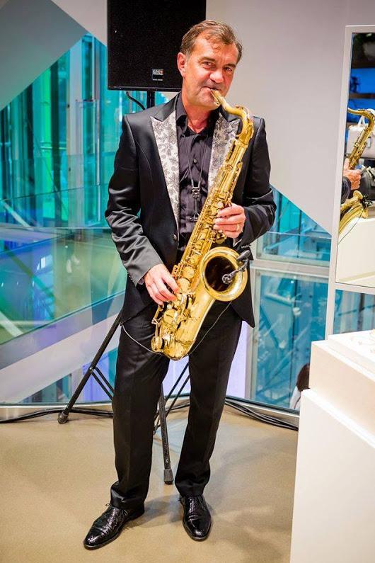 Modenacht in Zürich Neuer Saxophone Song