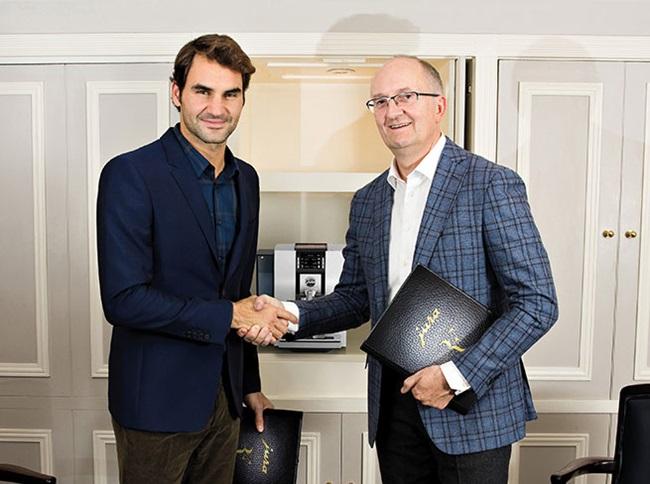 Roger Federer & CEO JURA Emanuel Probst